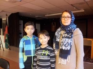 Atekeh Safdari med Iliya och Ali Reza